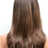 Vista trasera de la peluca Brandi de la colección Amore