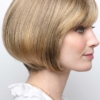 Vista lateral de la peluca Erin de la colección Amore