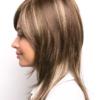 Vista lateral de la peluca Miranda de la colección Amore