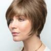 Vista frontal de la peluca Emily de la colección Amore