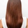 Vista trasera de la peluca Madelyn de la colección Amore