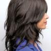 Parte lateral de la peluca Hayden de la colección Amore